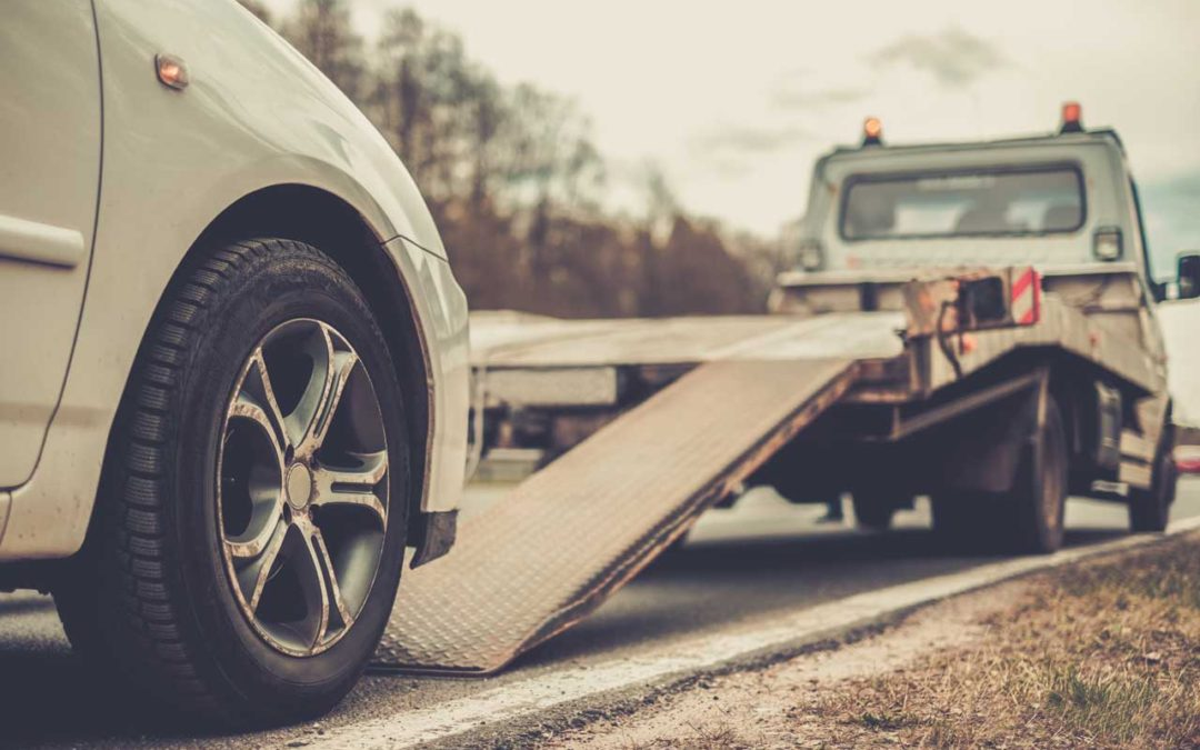 Why You Should Use a Tow Service Instead of Driving - Car Struction